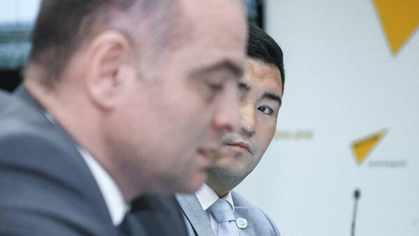 Круглый стол на тему сотрудничества азербайджанских и казахстанских железных дорог в Мультимедийном пресс-центре Sputnik Aзербайджан - Sputnik Азербайджан