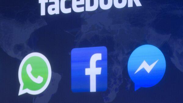 Значки Facebook и Whatsapp - Sputnik Азербайджан