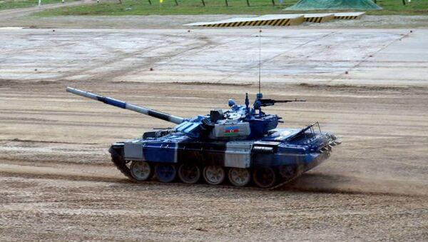 Азербайджанские танкисты стали первыми в своей группе на конкурсе Танковый биатлон - Sputnik Азербайджан