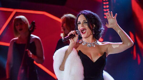 Популярная в России певица Слава - Sputnik Азербайджан