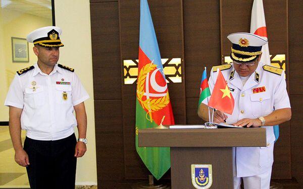 Состоялась встреча делегаций ВМС Азербайджана и Вьетнама - Sputnik Азербайджан