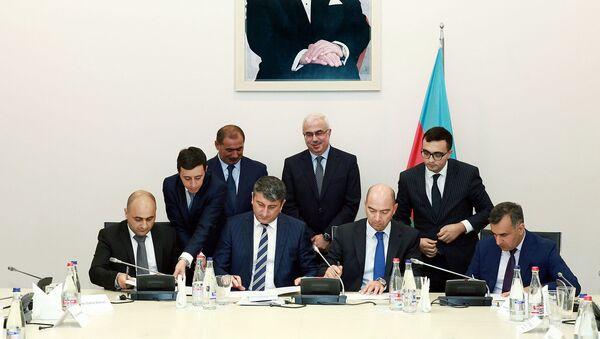 Круглый стол на тему Упрощение процедур таможенного оформления во время импортно-экспортных операций в промышленных парках - Sputnik Азербайджан