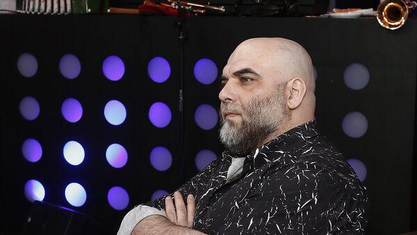 Журналист, писатель, соучредитель Мусульманского союза журналистов России Орхан Джемаль - Sputnik Азербайджан