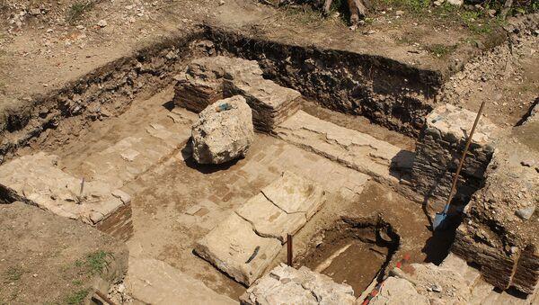 В селе Тюлю Балакенского района обнаружена древняя албанская церковь периода V-IX веков - Sputnik Азербайджан
