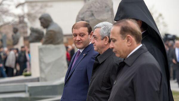 Тарон Маргарян, Серж Саргсян и Овик Абраамян - Sputnik Азербайджан