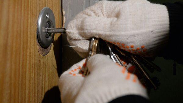 Ограбление квартиры, фото из архива - Sputnik Azərbaycan