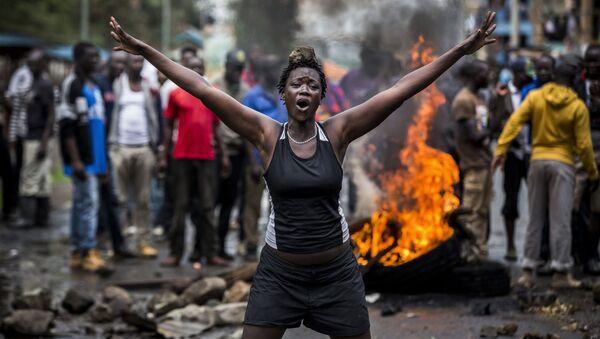 Снимок Беспорядки в Кении после выборов испанского фотографа Луиса Тато, занявший первое место в категории Главные новости, серии конкурса имени Андрея Стенина - Sputnik Азербайджан