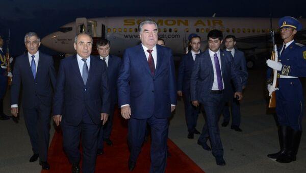 Tacikistan Prezidenti Emoməli Rəhmon Azərbaycana rəsmi səfərə gəlib - Sputnik Azərbaycan