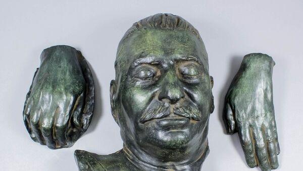Посмертная маска Иосифа Сталина - Sputnik Азербайджан