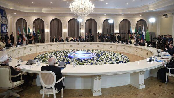 Участники Пятого Каспийского саммита в Актау - Sputnik Азербайджан
