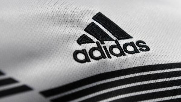 Логотип бренда Adidas - Sputnik Азербайджан