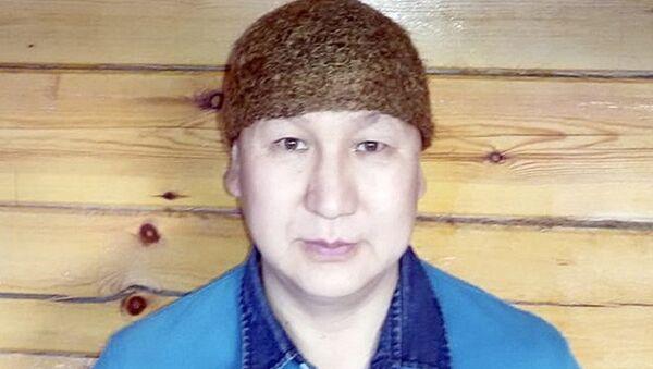 Владимир Аммосов в шапке, связанной из шерсти мамонта - Sputnik Азербайджан