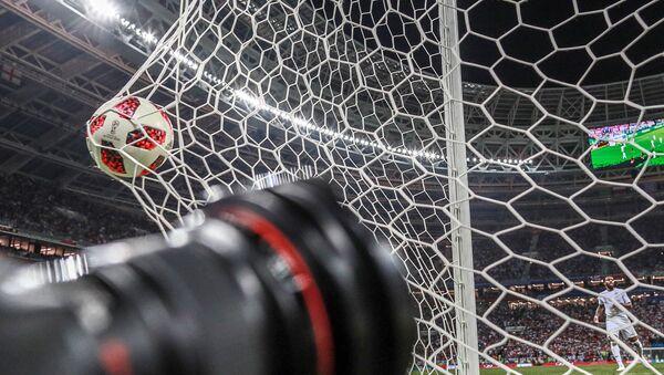 Мяч в воротах в ходе футбольного матча, фото из архива - Sputnik Азербайджан