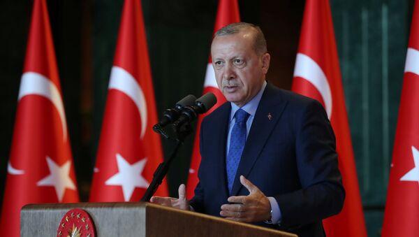 Türkiyə prezidenti Rəcəb Tayyib Ərdoğan  - Sputnik Азербайджан