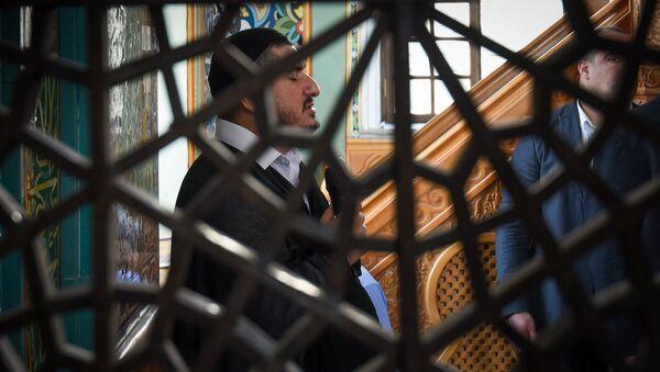 Праздничный намаз по случаю Гурбан байрам в мечети Тезе-пир - Sputnik Azərbaycan