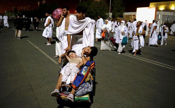 Паломники во время хаджа в Мекку, Саудовская Аравия - Sputnik Азербайджан