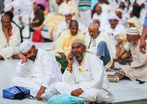 Мусульманские паломники в мечети аль-Харам в Мекке - Sputnik Азербайджан