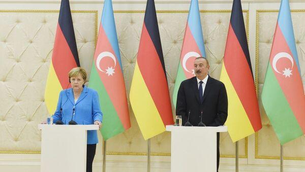 Состоялась совместная пресс-конференция Президента Азербайджана и Федерального канцлера Германии - Sputnik Азербайджан