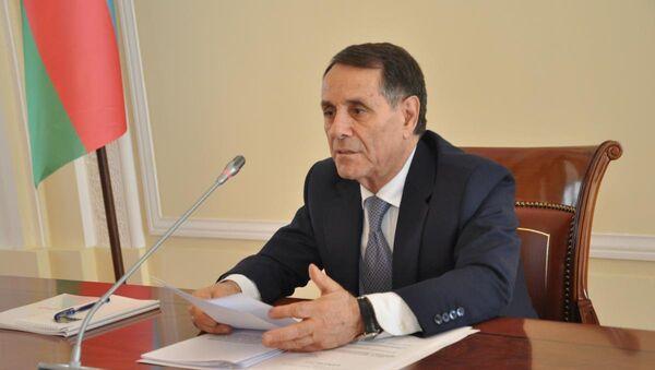 Премьер-министр Азербайджана Новруз Мамедов в ходе совещания Кабинета министров. Баку, 31 августа 2018 года    - Sputnik Азербайджан