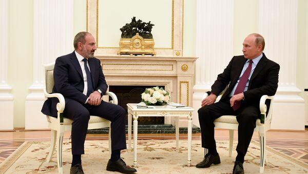 Встреча премьер-министра Армении Никола Пашиняна и президента России Владимира Путина (8 сентября 2018). Москвa - Sputnik Азербайджан