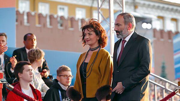 Премьер-министр Армении Никол Пашинян с супругой Анной Акопян, архивное фото - Sputnik Азербайджан