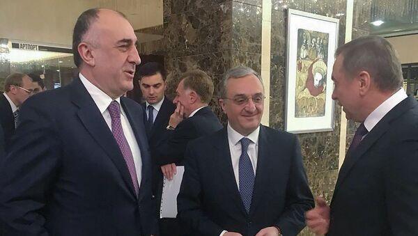 Главы МИД Армении и Азербайджана Зограб Мнацаканян и Эльмар Мамедъяров - Sputnik Азербайджан