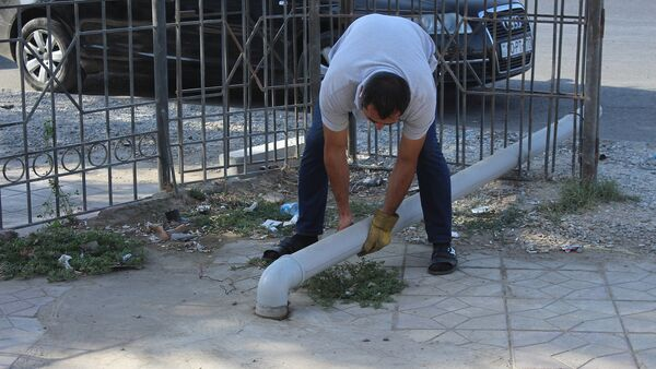 Проблема с канализационными стоками по адресу проспект Бабека, квартал 2334 - Sputnik Азербайджан