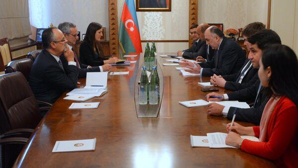 Глава МИД Азербайджана Эльмар Мамедъяров на встрече с председателем Парламентской Ассамблеи НАТО Паоло Алли. Баку, 13 сентября 2018 года - Sputnik Азербайджан