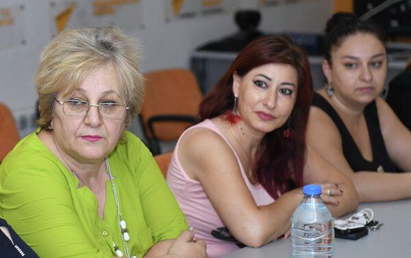 Обсуждения, посвященные проблемам создания семьи в Азербайджане, в мультимедийном пресс-центре Sputnik Азербайджан. 14 сентября 2018 года - Sputnik Азербайджан