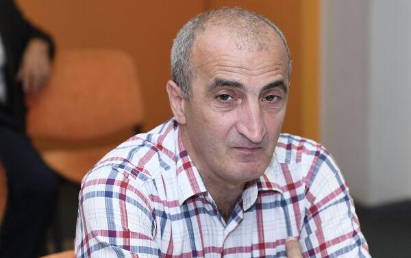 председатель центра социальных исследований Жизнь Гадир Ибрагимли - Sputnik Азербайджан