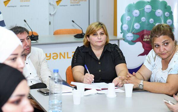 Обсуждения, посвященные проблемам создания семьи в Азербайджане, в мультимедийном пресс-центре Sputnik Азербайджан. 14 сентября 2018 года / - Sputnik Азербайджан