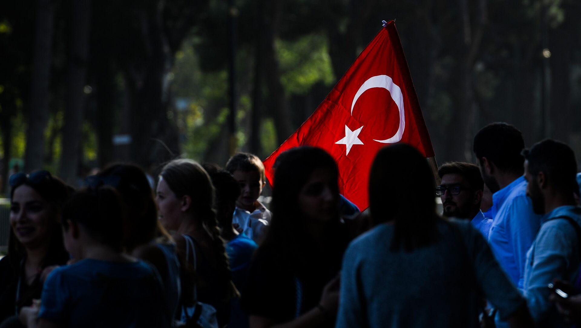 Военный парад по случаю 100-летия освобождения Баку Кавказской исламской армией. 15 сентября 2018 года - Sputnik Азербайджан, 1920, 28.03.2021