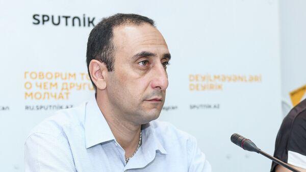 Qafqaz tarixi mərkəzinin direktoru, siyasi icmalçı, Rizvan Hüseynov - Sputnik Azərbaycan