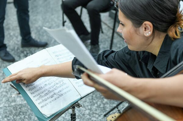 Концерт в бакинском метрополитене по случаю Дня национальной музыки - Sputnik Азербайджан