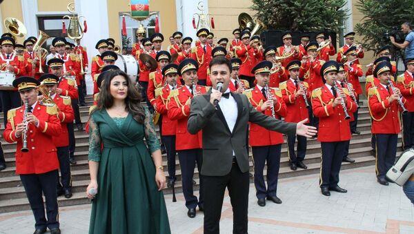 Концерт перед Бакинской музыкальной академией, посвященный Дню национальной музыки. 18 сентября 2018 года - Sputnik Азербайджан