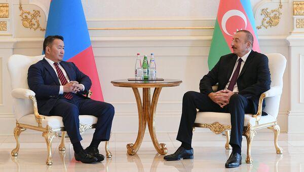 Azərbaycan Respublikasının Prezidenti İlham Əliyevin Monqolustan Prezidenti Xaltmaaqiyn Battulqa ilə görüşü - Sputnik Azərbaycan