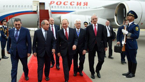 Президент России Владимир Путин прибыл с рабочим визитом в Азербайджан - Sputnik Азербайджан