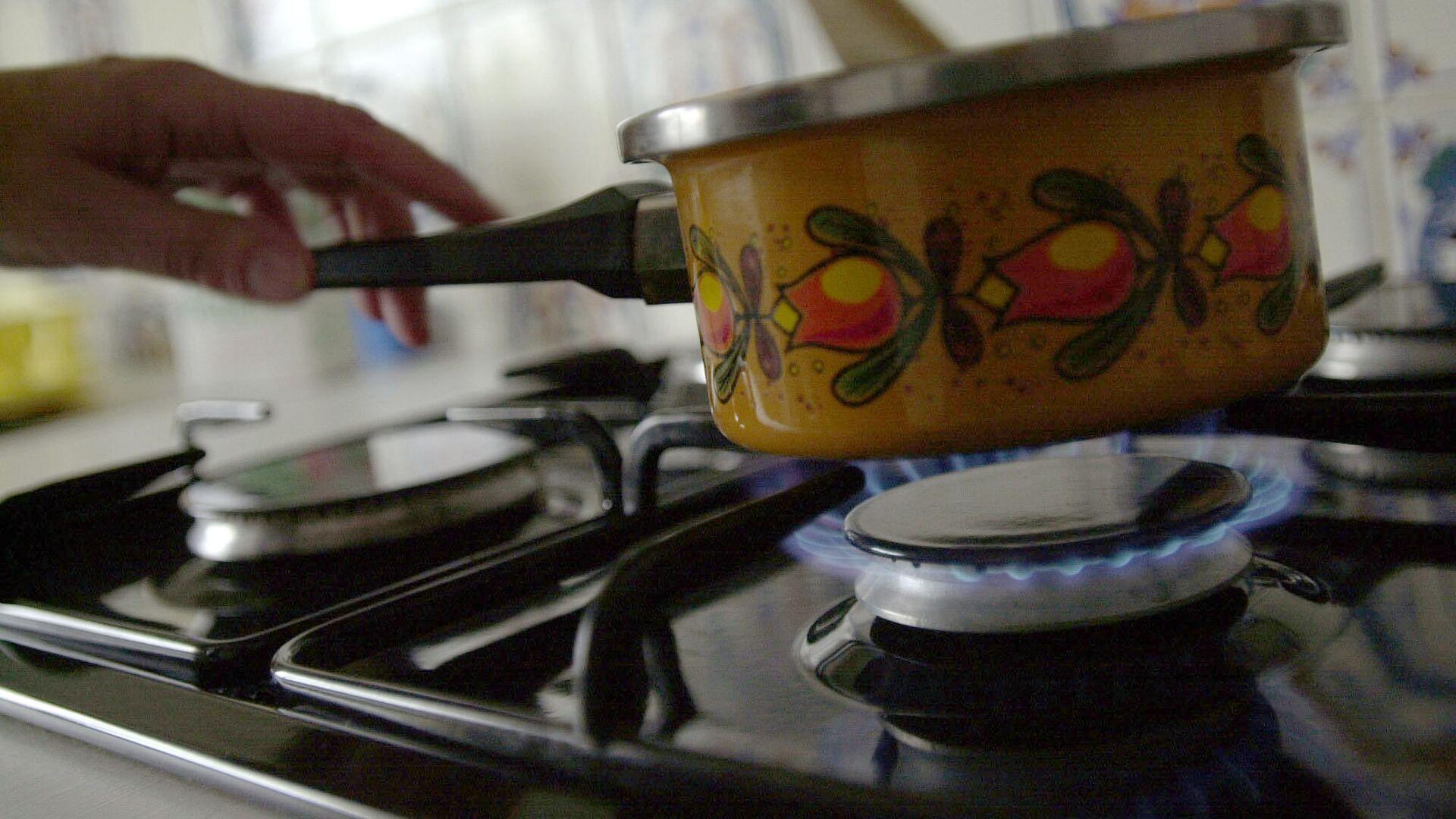 Газовая плита на кухне, фото из архива - Sputnik Азербайджан, 1920, 05.06.2021