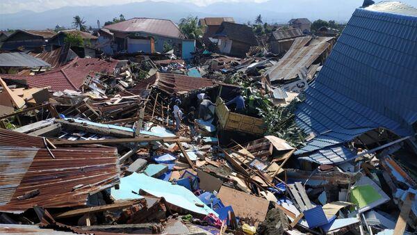 Последствия землетрясения и цунами в Индонезии, 30 сентября 2018 года - Sputnik Азербайджан