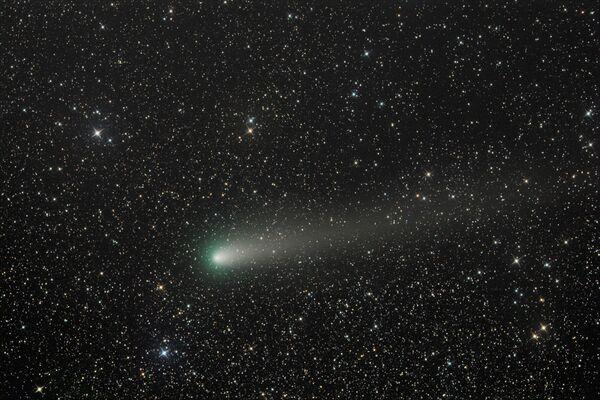 Комета 21P снята в момент максимального приближения к Солнцу за 72 года - Sputnik Азербайджан