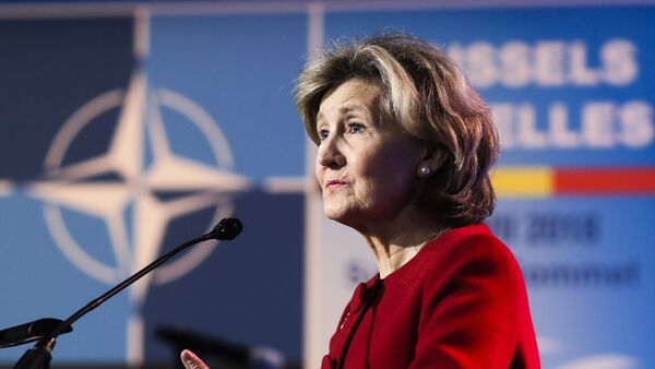 Постоянный представитель США при НАТО Кэй Бэйли Хатчисон - Sputnik Азербайджан