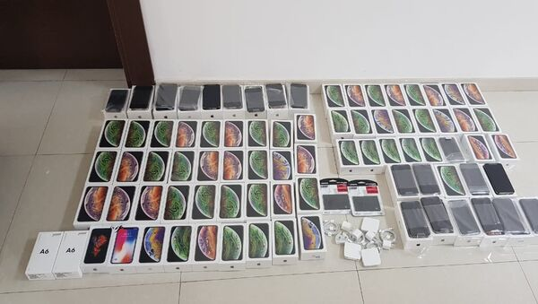 Контрабандные телефоны - Sputnik Азербайджан