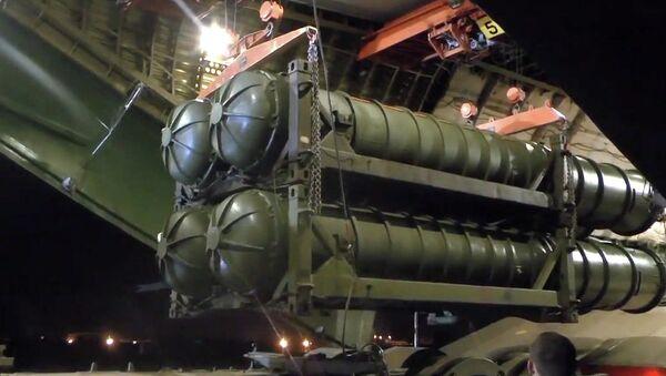 Минобороны РФ доставилo комплексы ЗРК С-300 в Сирию - Sputnik Азербайджан