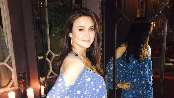 Индийская актриса и танцовщица Прити Зинта - Sputnik Азербайджан