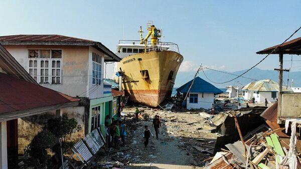 Последствия землетрясения в Индонезии - Sputnik Азербайджан