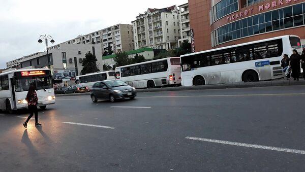 Старые автобусы в Баку, фото из архива - Sputnik Азербайджан