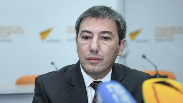 Модератор — политолог Ильгар Велизаде - Sputnik Азербайджан