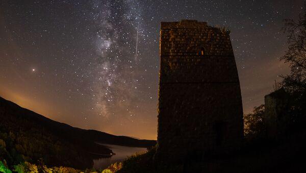 Meteorit yağışı, arxiv şəkli - Sputnik Azərbaycan