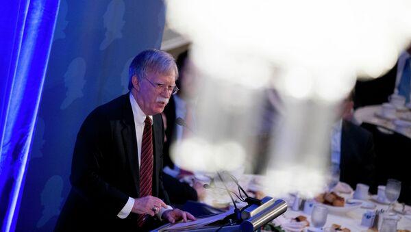Советник президента США по национальной безопасности Джон Болтон - Sputnik Азербайджан