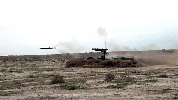 Учения ракетных и артиллерийских соединений ВС Азербайджана - Sputnik Azərbaycan